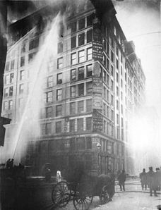 287px-Image_of_Triangle_Shirtwaist_Factory_fire_on_March_25_-_1911